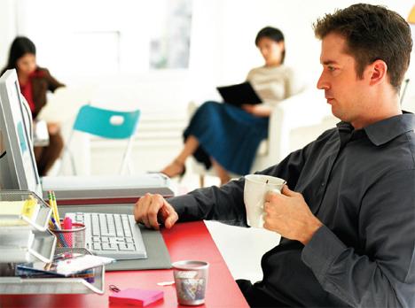 Trucos para fingir estar trabajando en la oficina for Servicio de empleo